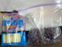 Cheese sticks -n- grapes